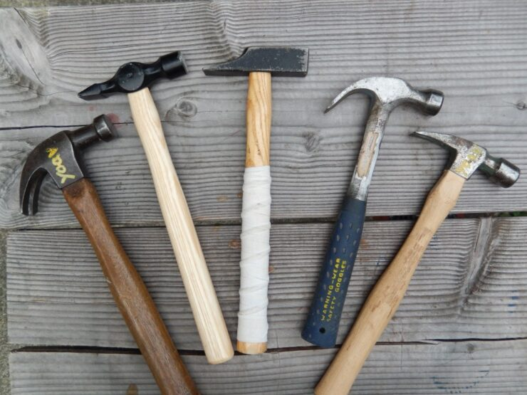 Two-Piece And One-Piece Hammers
